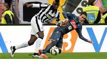 Der Tabellen-Vierte Napoli, hier im Spiel gegen Juventus Turin, hätte gewinnen müssen, um mit dem Dritten Lazio Rom gleichzuziehen.
