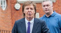 Paul McCartney könnte schon bald im britischen Fernsehen auftauchen.