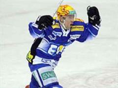 Zugs Oleg Petrov jubelt.