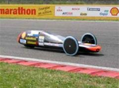 Das Experimentalfahrzeug namens «Schluckspecht» während des Shell Eco-Marathons 2007.
