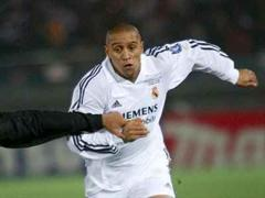 Katar bot Roberto Carlos sieben Millionen Euro netto pro Jahr.