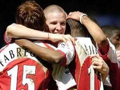 Kann Philippe Senderos mit Arsenal feiern?
