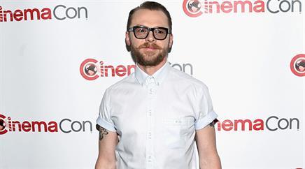 Simon Pegg hat sein Outfit verändert.