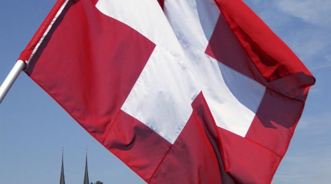 Die Demokratie in der Schweiz beeindruckt.
