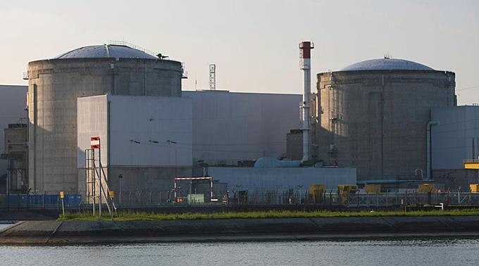Kernkraftwerk Fessenheim am Rhein.