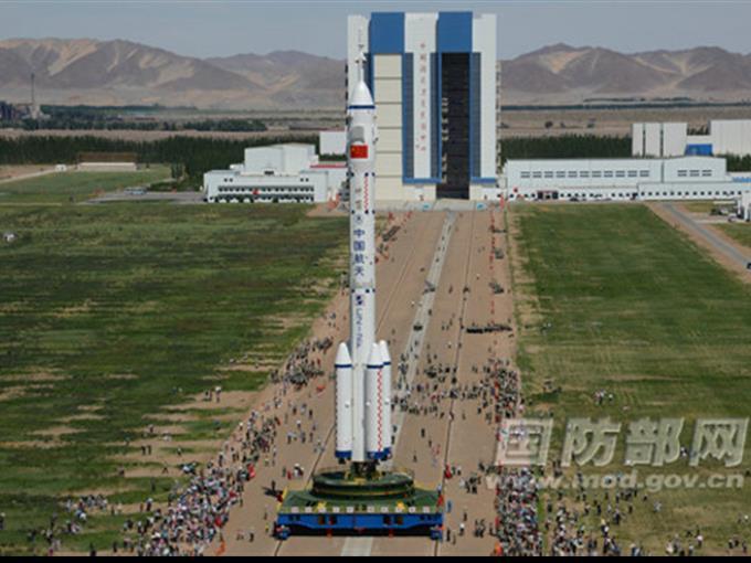 «Shenzhou-9» war am vergangenen Samstag vom Weltraumbahnhof Jiuquan im Nordwesten Chinas zu seiner 13-tägigen Mission aufgebrochen.