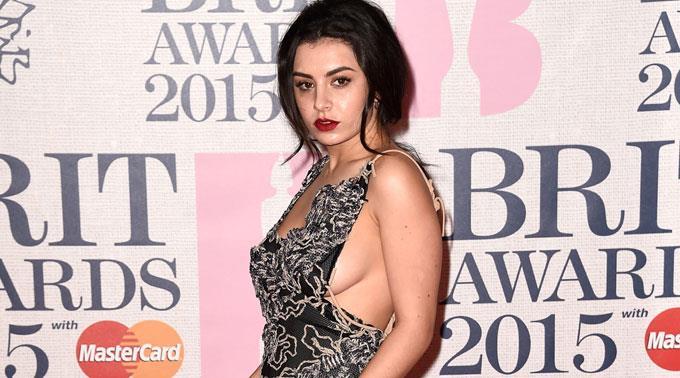 Charli XCX hat sich nach den Brit Awards angeblich einen der Preisträger geschnappt.