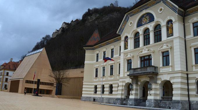 Das Parlament in Vaduz soll dranbleiben.