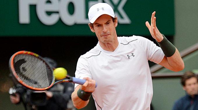Andy Murrays Partie wurde wegen Dunkelheit unterbrochen.